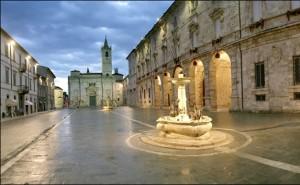 Piazza Arringo Ascoli Piceno