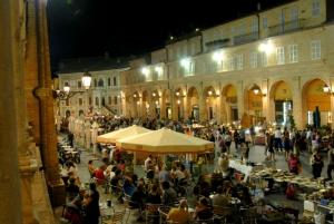 mercatino_antiquariato_artigianato_fermo_shopping